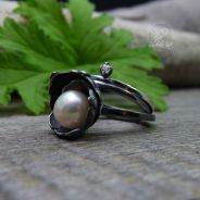Pearl Bell - Ring