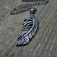 Feather Necklace - Alma